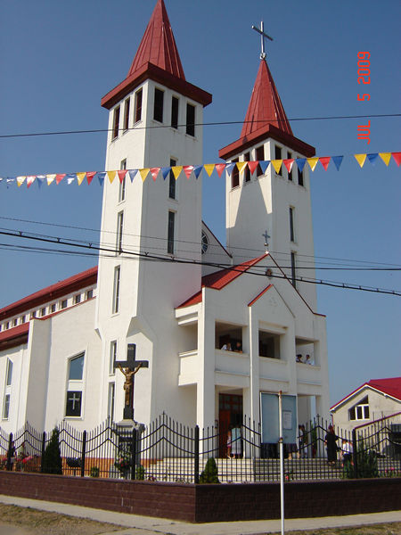 This new Church in Botiz -Transilvania, is a new victory of our Lady!!!
