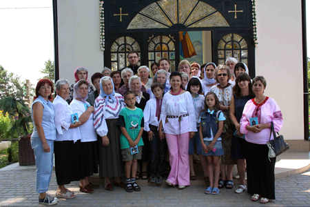 The members of Universal Living Rosary Association of Saint Philomena Ukraine members during the retreat how to spread the devotion to Virgin Mary.