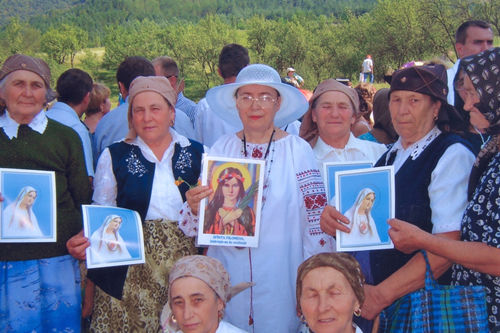 New groups of the Living Rosary Association were registered this day. The people from villages are happy to meet Saint Philomena at Nicula. They wanted almost all of them to bring our Little Princess in their houses. Than, you ULRA for all you sent to us including your Apostles.