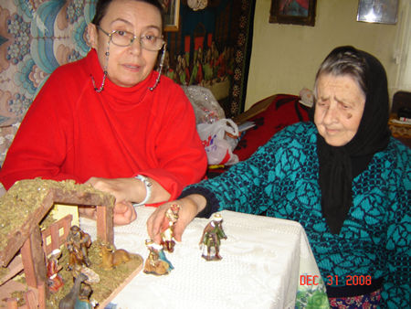 Ruth sent a Manger to Sr. Veronica. She never could see something like this before. She is very impressed.