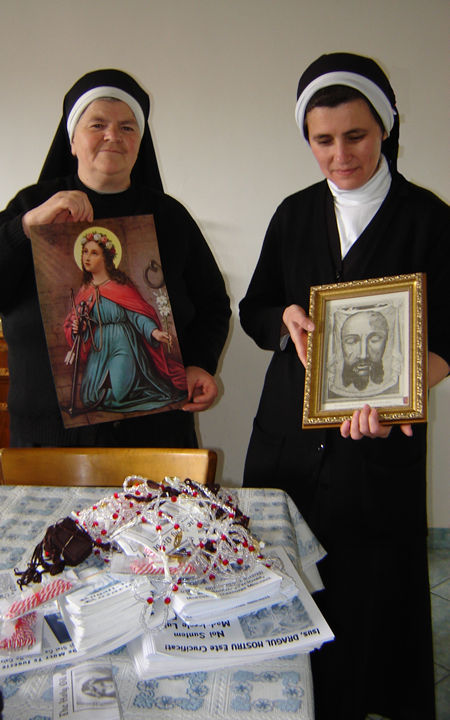 Superior Sister Basilitan from Gherla together with Sr. Marcela is very happy to spread the devotions between believers. They thank the Universal Living Rosary Association of Saint Philomena (ULRA) for these very necessary ULRA materials (for young and for adults.)
